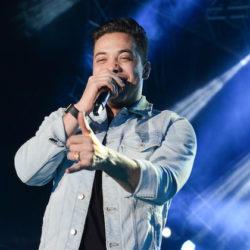 Depois do nascimento de Dom, Wesley Safadão agita fãs no Vale Music Fest