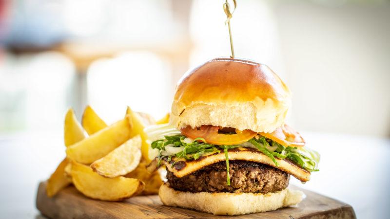 Festival Burger Week no M Bar & Cozinha no Mercure Colinas